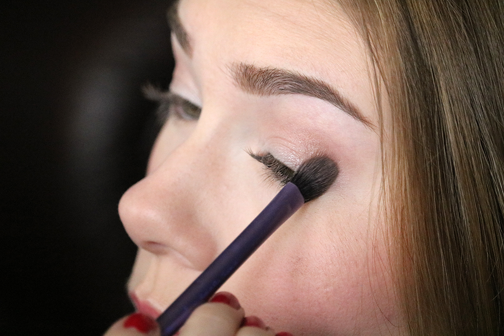 Eye makeup tutorial - Step 2 // sandsunandmessybuns.com