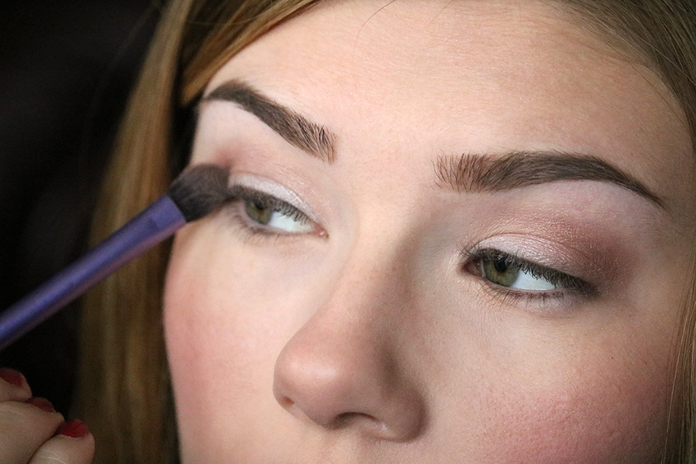 Eye makeup tutorial - Step 3 // sandsunandmessybuns.com