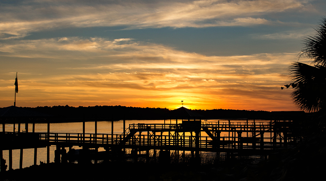 Things to do in Bluffton SC // Catch a sunset from the Oyster Factory Park