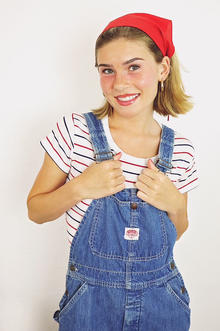 90s outfit ideas...seriously, is there anything better than overalls?! #90soutfits #overalls